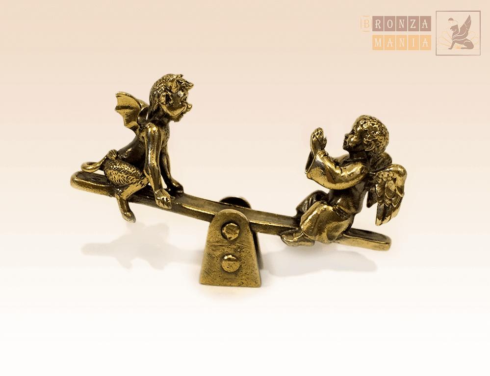 фигурка Ангелочек и Чертенок на качелях