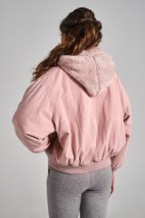Джинсовая куртка с капюшоном утепленная