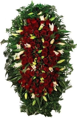 Траурный венок из живых цветов ВЖ 12 -180 см