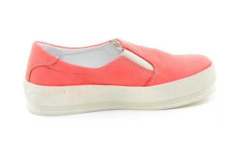 Слипоны на толстой подошве кожаные Лель (LEL) для девочек, цвет коралловый. Изображение 4 из 13.