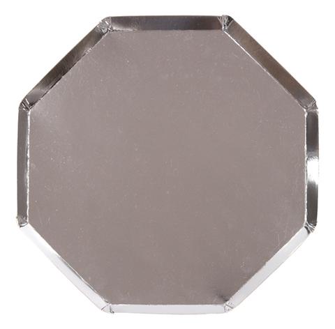 Большие серебряные восьмиугольные тарелки