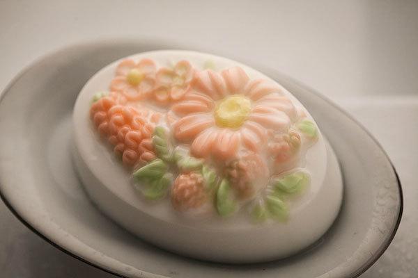Пластиковая форма для мыла Полевые цветы. Готовое мыло