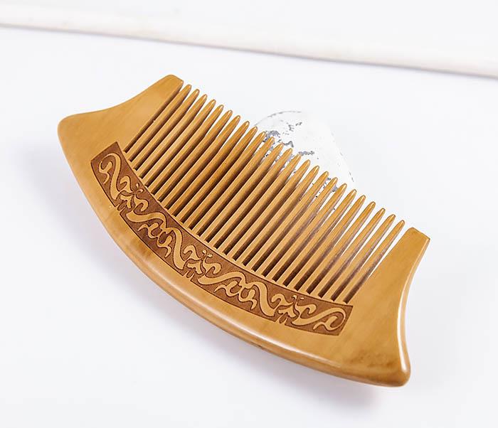 RAZ465 Гребень для волос из персикового дерева с рисунком фото 04