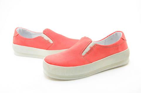 Слипоны на толстой подошве кожаные Лель (LEL) для девочек, цвет коралловый. Изображение 10 из 13.