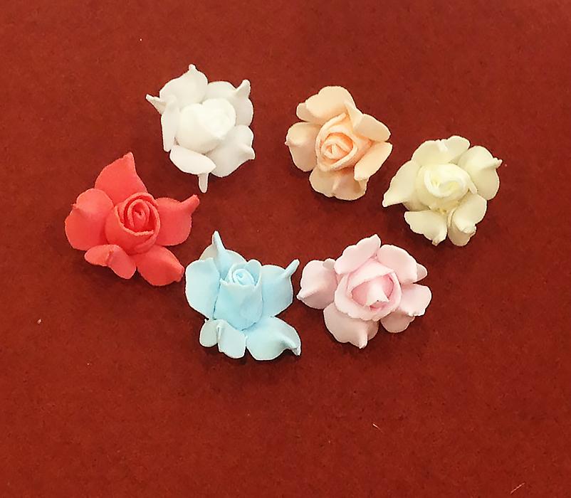Цветок розы раскрытой 3 см (латекс).