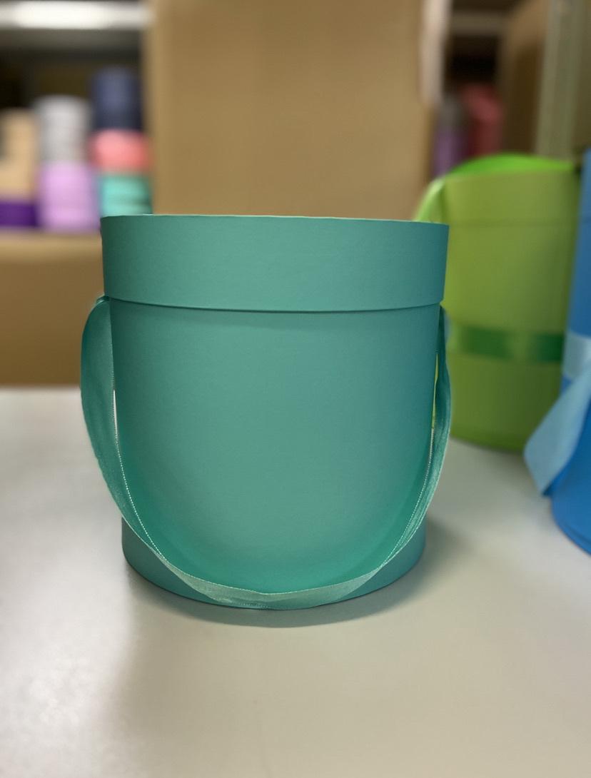 Шляпная коробка эконом вариант 22,5 см Цвет:Тиффани. Розница 350 рублей .