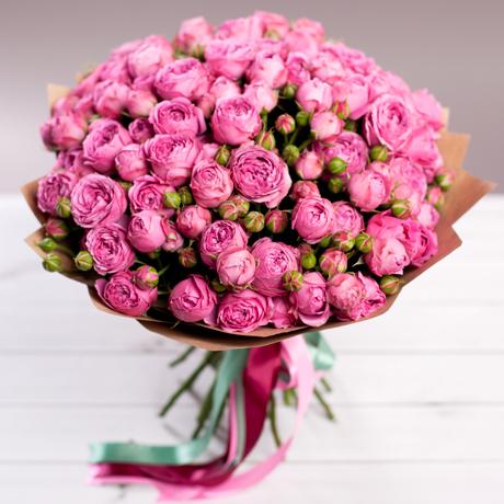Букет кустовых пионовидных роз Мисти Баблс 25шт купить в Перми
