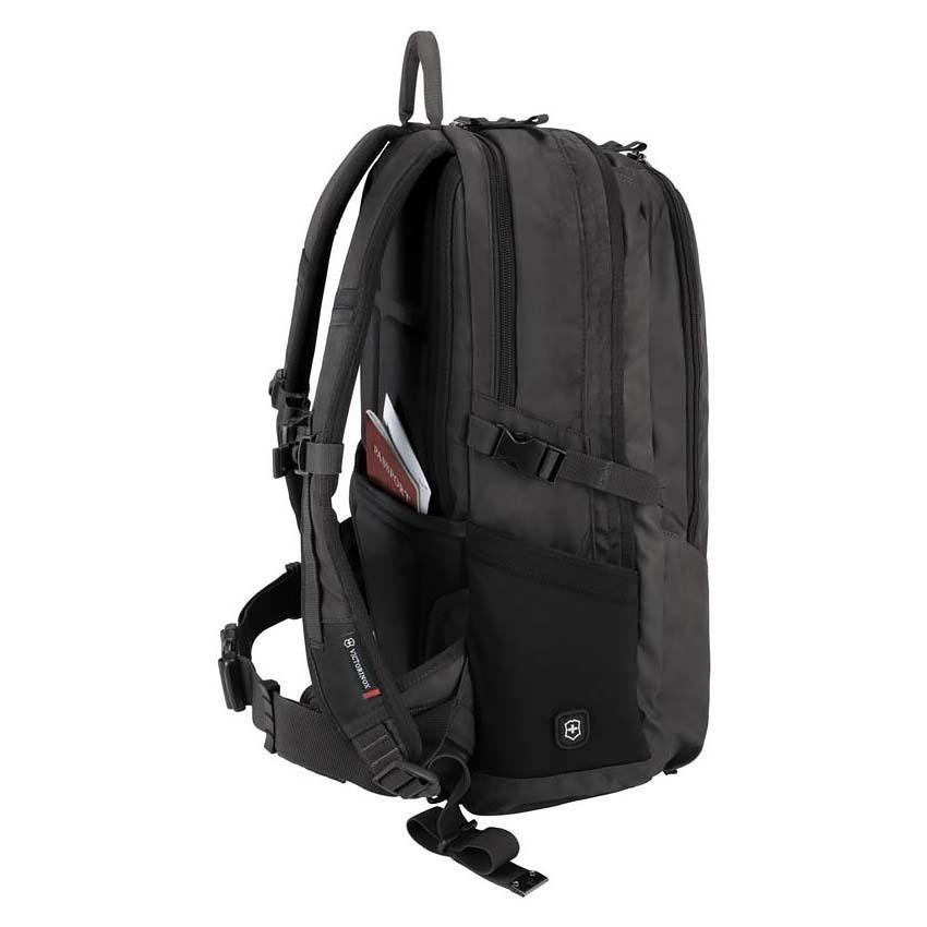 Рюкзак Victorinox Altmont 3.0, Deluxe Backpack 17'', чёрный, 34x18x50 см, 30 л