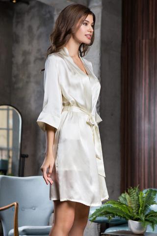 Шелковый халат женский нежный молочный