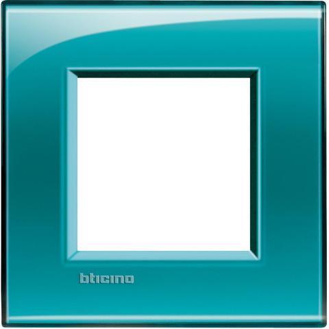 Рамка 1 пост, прямоугольная форма. НАСЫЩЕННЫЙ ЦВЕТ. Цвет Зелёный. Немецкий/Итальянский стандарт, 2 модуля. Bticino LIVINGLIGHT. LNA4802VD