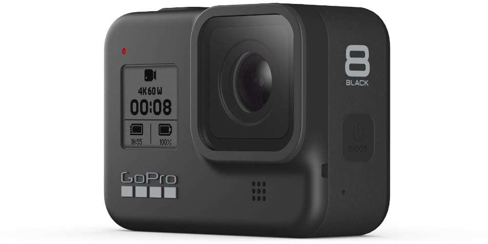 Экшн-камера GoPro HERO8 вид сбоку