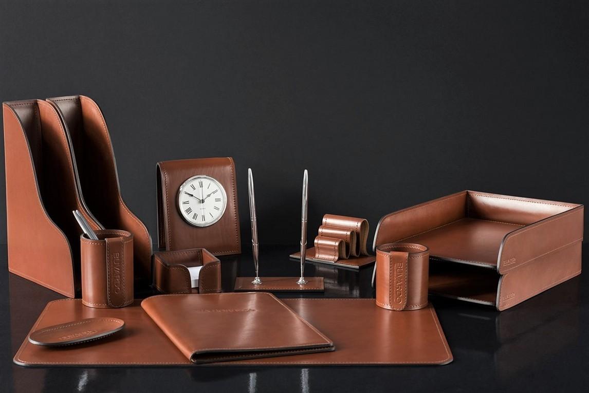 На фото набор на стол руководителя 71019 13 предметов кожа LUX Full Grain цвет