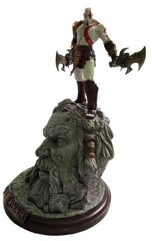 Бог Войны 3 статуэтка Кратос против Зевса