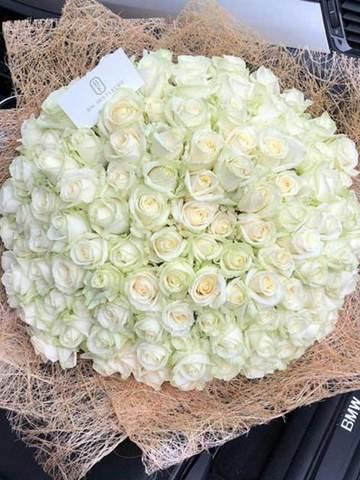 Букет из 101 белой голландской розы