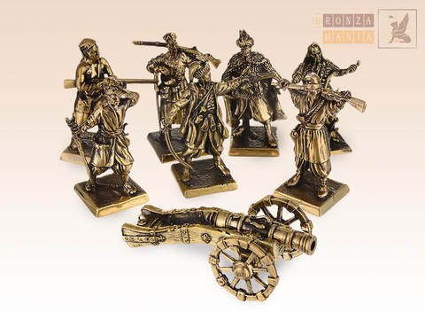 набор солдатиков Запорожские Казаки 17 век с пушкой 7 шт.