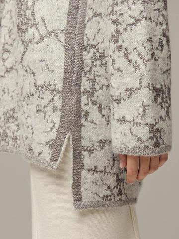 Женский джемпер серого цвета с высоким горлом - фото 2