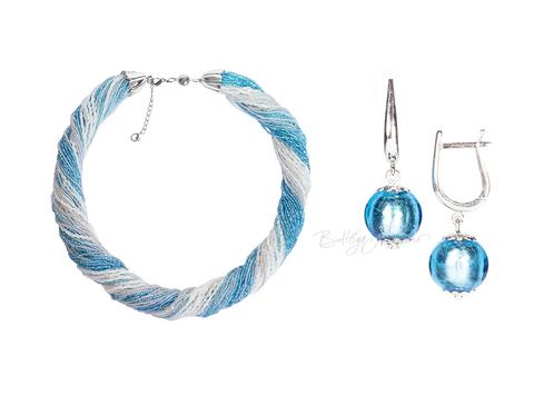 Комплект украшений серебристо-голубой (серьги-бусины, ожерелье из бисера 48 нитей)