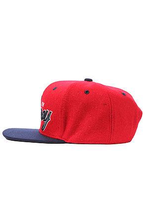 Утепленная бейсболка красная 3