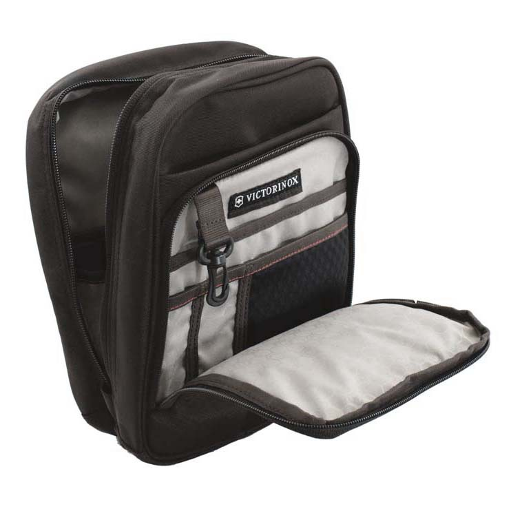 Сумка Victorinox Deluxe Travel Companion, с наплечными ремнями, чёрная, 21x10x27 см, 6л