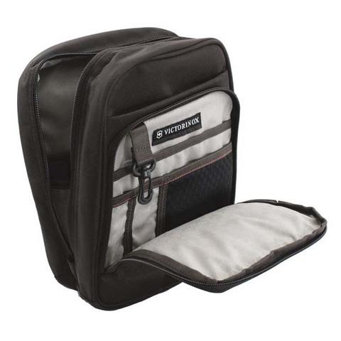 Сумка Victorinox Deluxe Travel Companion, черная, 21x10x27 см, 6л