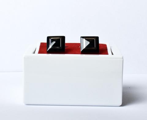 Запонки Angelo Roma белого металла квадратные черные выпуклые