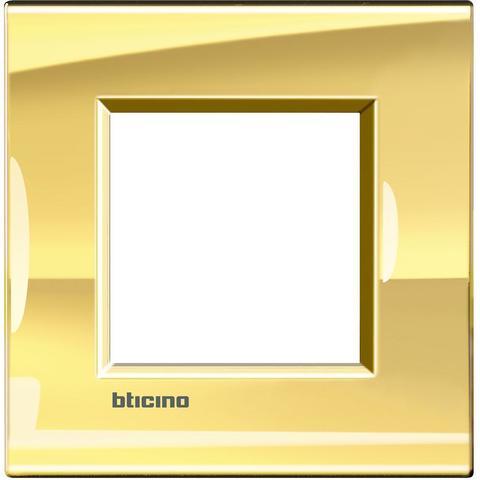 Рамка 1 пост, прямоугольная форма. МЕТАЛЛ. Цвет Золото. Немецкий/Итальянский стандарт, 2 модуля. Bticino LIVINGLIGHT. LNA4802OA