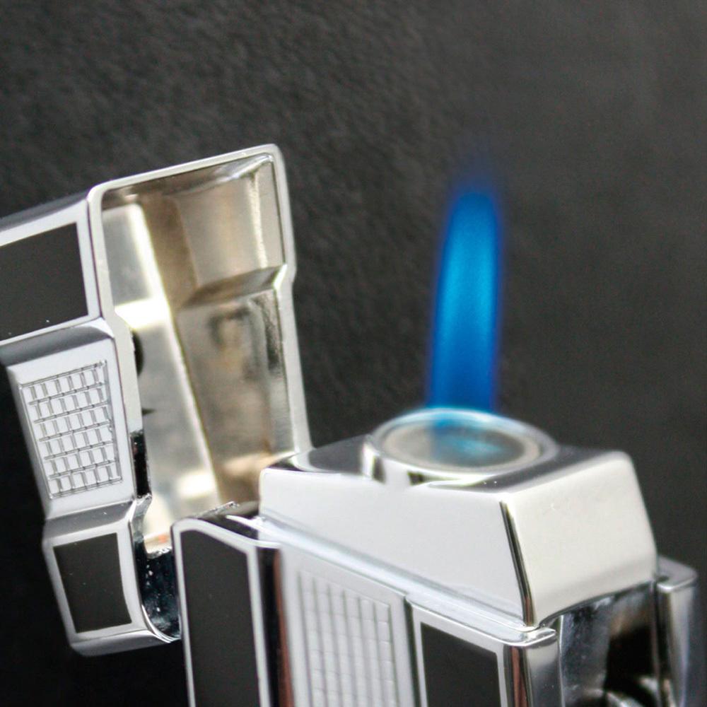 Зажигалка Pierre Cardin газовая турбо, цвет серебристый/черный лак с насечкой, 2,4х1,5х8см