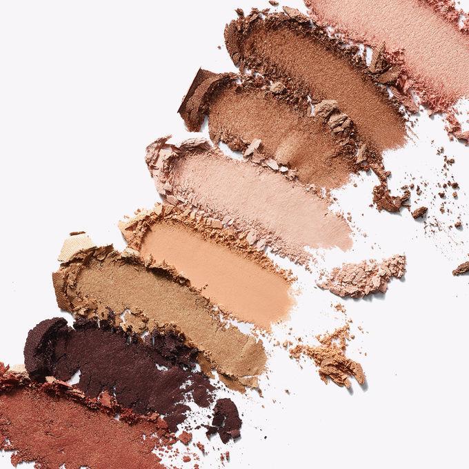 Палетка теней Leave your mark eyeshadow palette