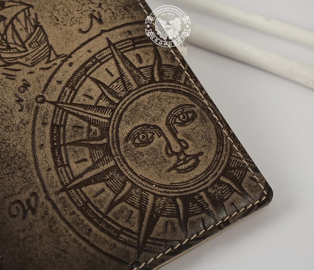 BY14-29-02 Обложка для паспорта из натуральной кожи «Путешествующий Человек» фото 02
