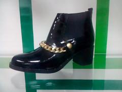 Лаковые ботинки челси