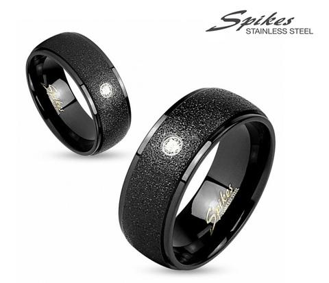Оригинальное стальное кольцо черного цвета с искусственным камнем. «Spikes»