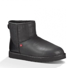 /collection/muzhskie-ugg/product/ugg-classic-mini-star-wars-black-men