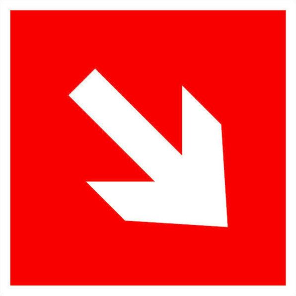 Знак пожарной безопасности - Направляющая стрелка под углом 45 / знак F01-02