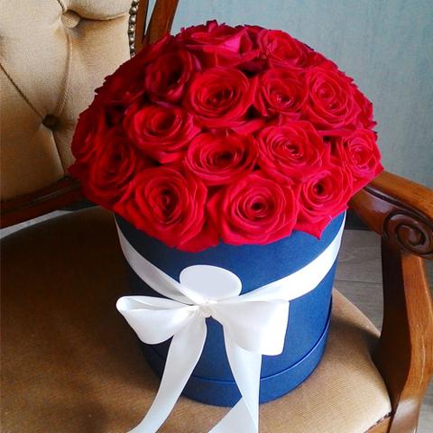 Розы в шляпной коробке (в ассортименте) 25шт
