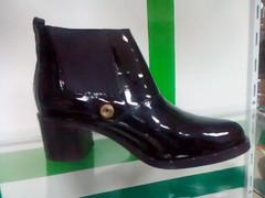 Лаковые ботинки на каблуке