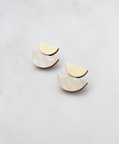 Серьги Double Crescent Studs Mother of Pearl