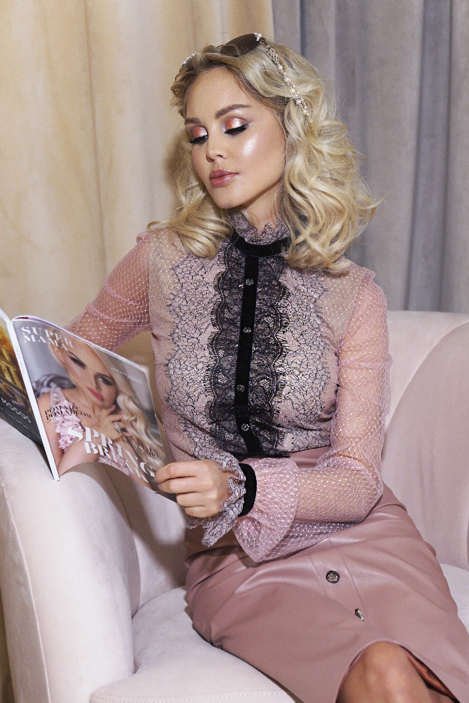 Блуза розовая кружевная
