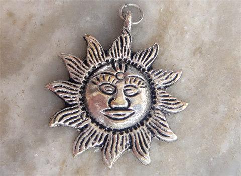 Подвеска Сурья - Солнце