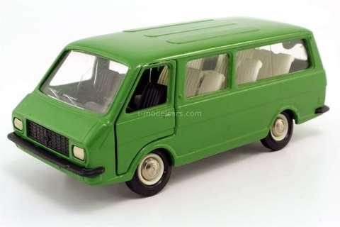 RAF-2203 green (metal bottom) Agat Tantal Made in USSR 1:43