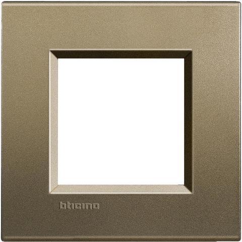 Рамка 1 пост, прямоугольная форма. ШЁЛК. Цвет Коричневый шёлк. Немецкий/Итальянский стандарт, 2 модуля. Bticino LIVINGLIGHT. LNA4802SQ