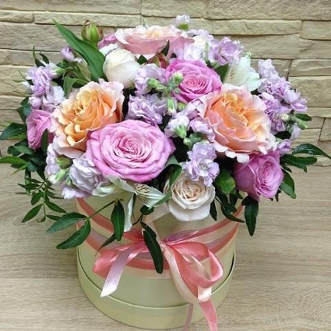 №75. Нежная коробка с розами.