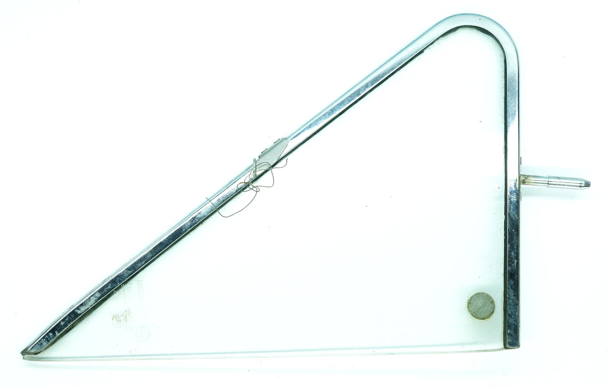Рамка поворотной форточки со стеклом ВАЗ 2121