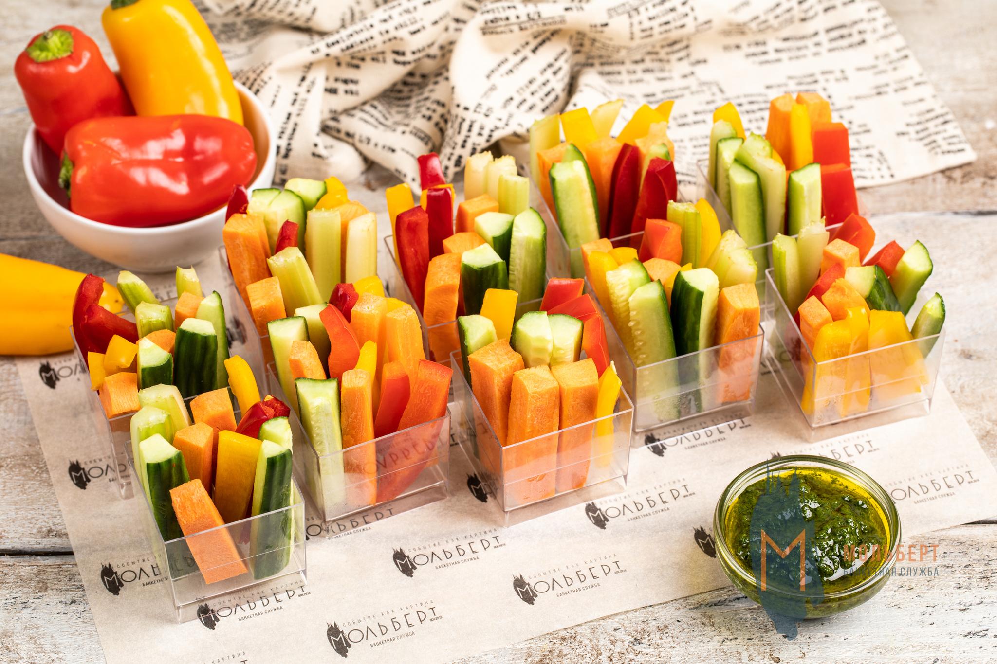 Овощное крудите с песто