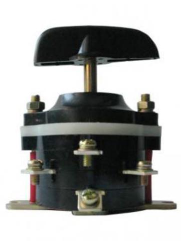 Пакетный переключатель ПП 3-100/Н2 исп.3 3П 100А 220В IP00 TDM