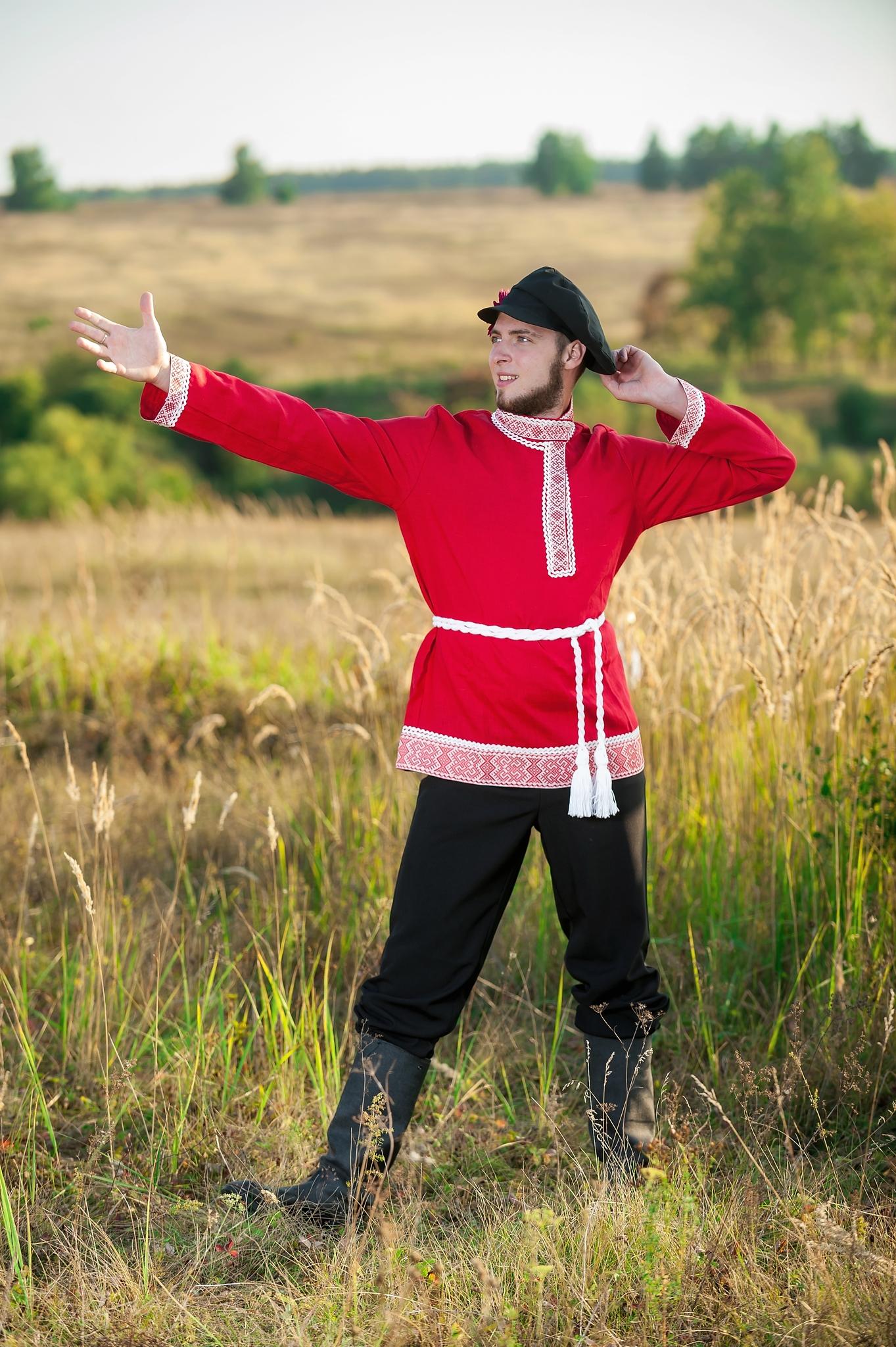 Русский костюм Звонкая песня плясовой