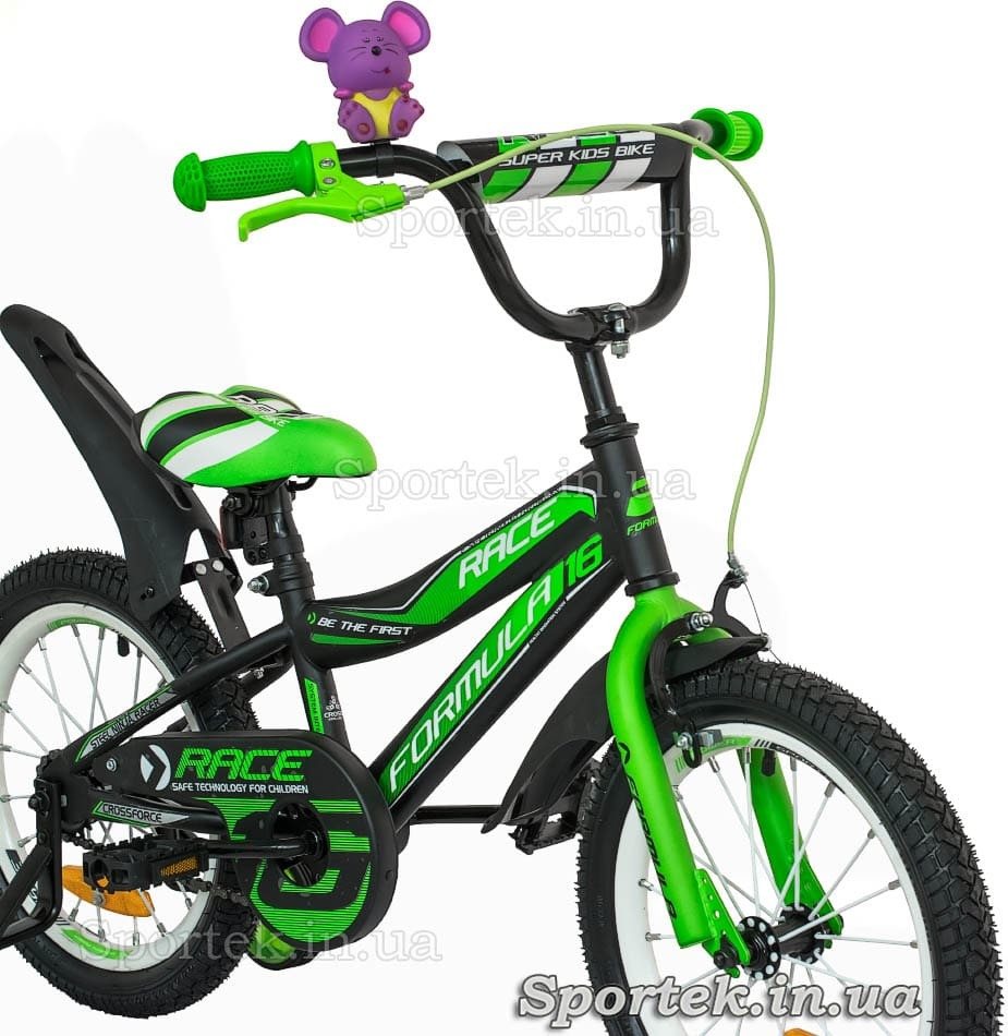 Вид спереди сбоку на вилку детского 4-х колесного велосипеда Formula Race (Формула Рейс)