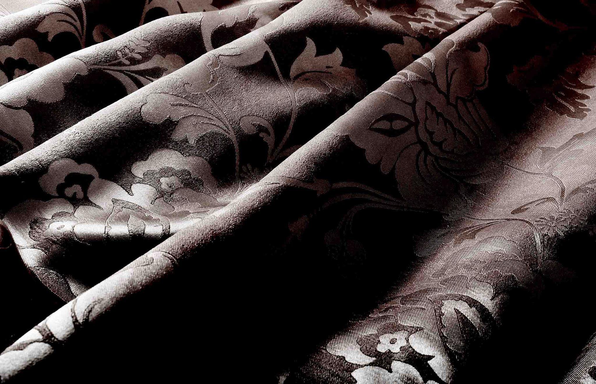 Марселла (венге). Штора блэкаут шенил с растительным орнаментом из атласа.