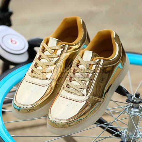 Светящиеся кроссовки с USB зарядкой Fashion (Фэшн) на шнурках, цвет золотой, светится вся подошва. Изображение 6 из 8.