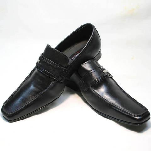 Классические туфли с квадратным носом мужские. Лоферы -  модные черные туфли без шнурков Mariner Black.