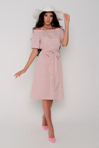 Модное платье со спущенной линией плеча, на резинке.  По переду имитация планки с пуговицами. Платье свободного кроя. Пояс съемный в виде банта.
